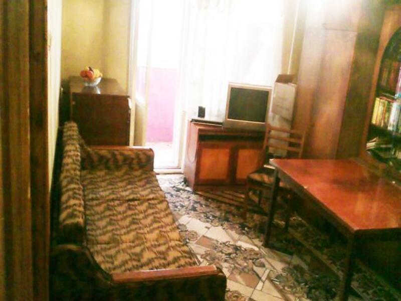 3 комнатная квартира, Золочев, Вознесенская пл. (22 съезда КПСС пл.), Харьковская область (170959 1)