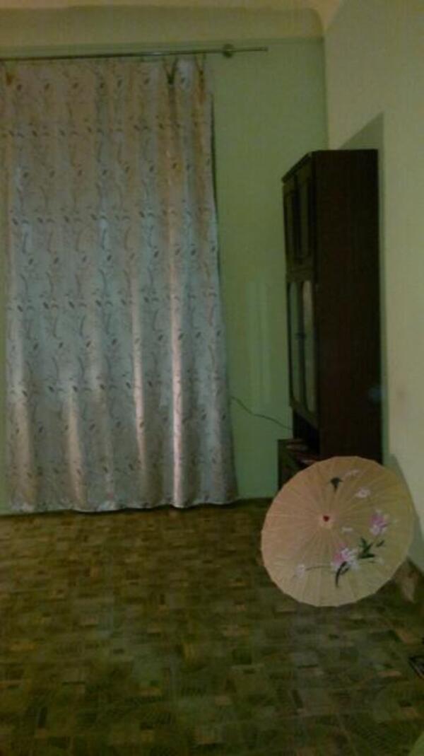 Купить 1-комнатная гостинка, Харьков, Центр, Героев Небесной Сотни пл. (Руднева пл.)