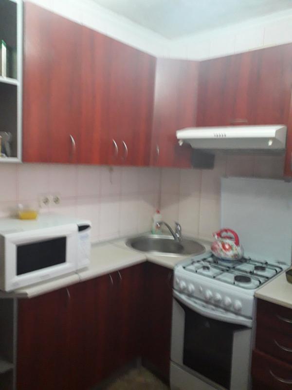 Квартира, 3-комн., Чугуев, Чугуев, Карбышева