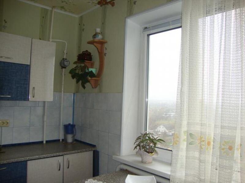 3 комнатная квартира, Чугуев, Победы ул. (Красноармейская), Харьковская область (297093 5)