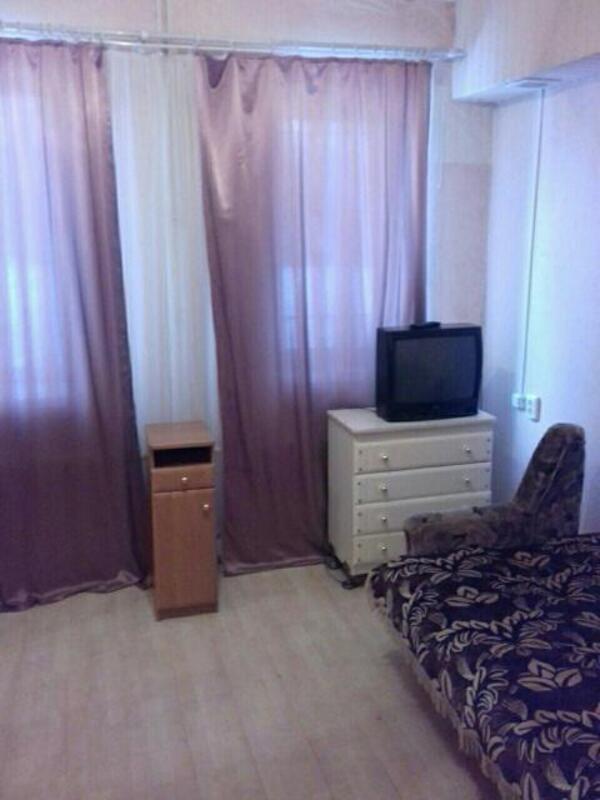 Купить 1-комнатная гостинка, Харьков, Алексеевка, Фронтовиков бул.