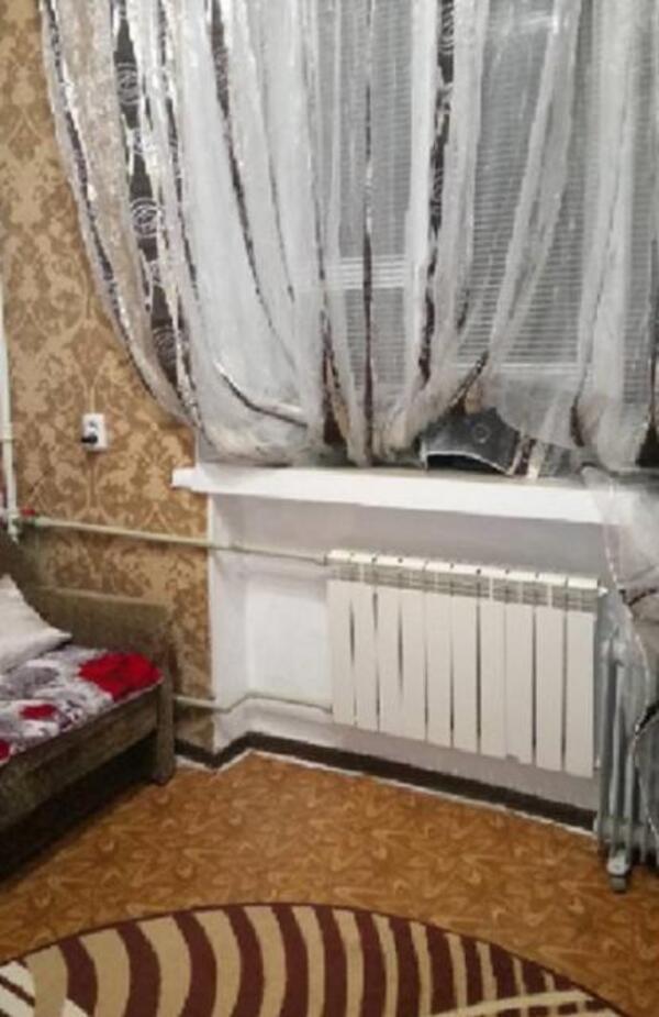 1 комнатная гостинка, Харьков, ХТЗ, Александровский пр. (Косиора пр.) (329003 5)