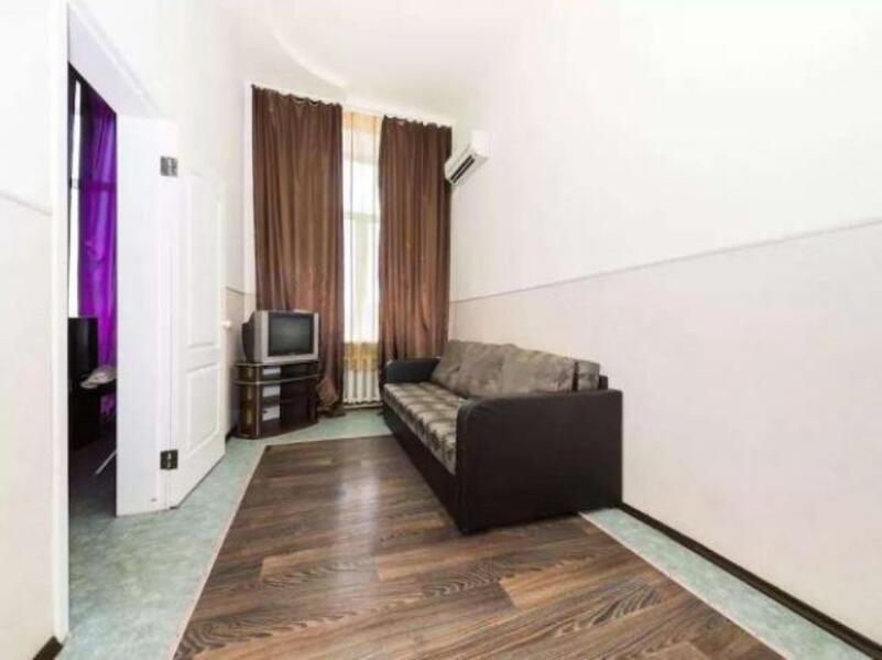 3 комнатная квартира, Харьков, Жуковского поселок, Астрономическая (350108 2)
