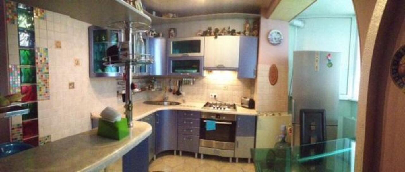 Купить 3-комнатная квартира, Харьков, Защитников Украины метро, Аптекарский пер.
