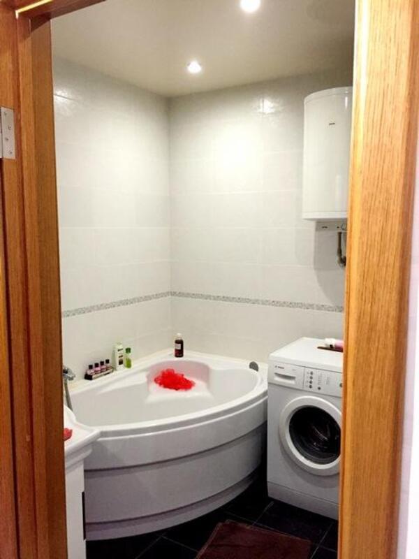 3 комнатная квартира, Песочин, Комарова, Харьковская область (366982 2)