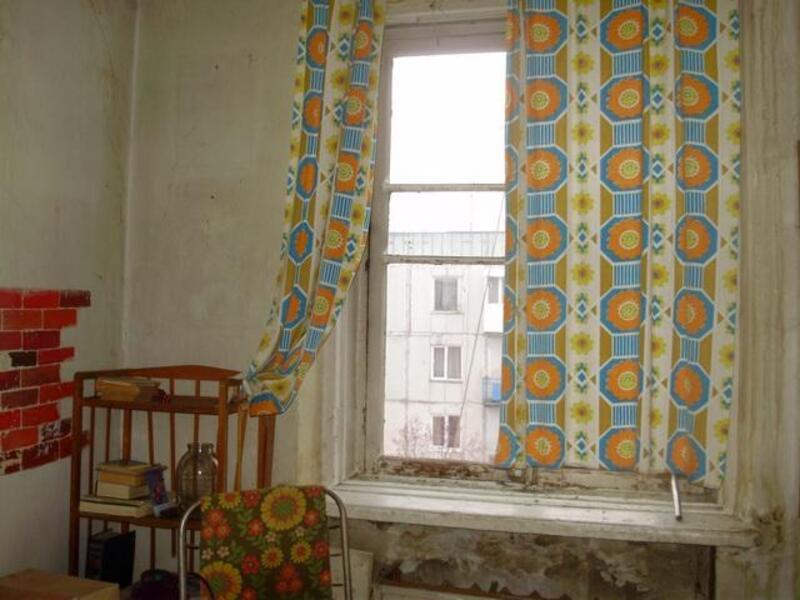 4 комнатная гостинка, Чугуев, Авиатор мкр, Харьковская область (371672 1)