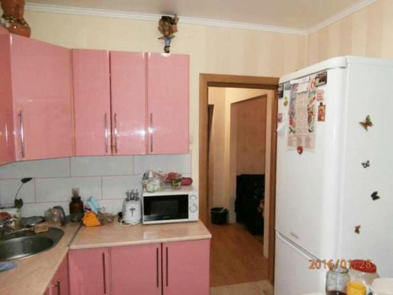 3 комнатная квартира, Эсхар, Победы ул. (Красноармейская), Харьковская область (378068 2)