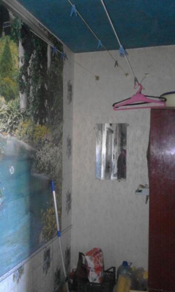 2 комнатная гостинка, Чугуев, Дружбы (Кирова, Советская. Ленина), Харьковская область (382105 5)