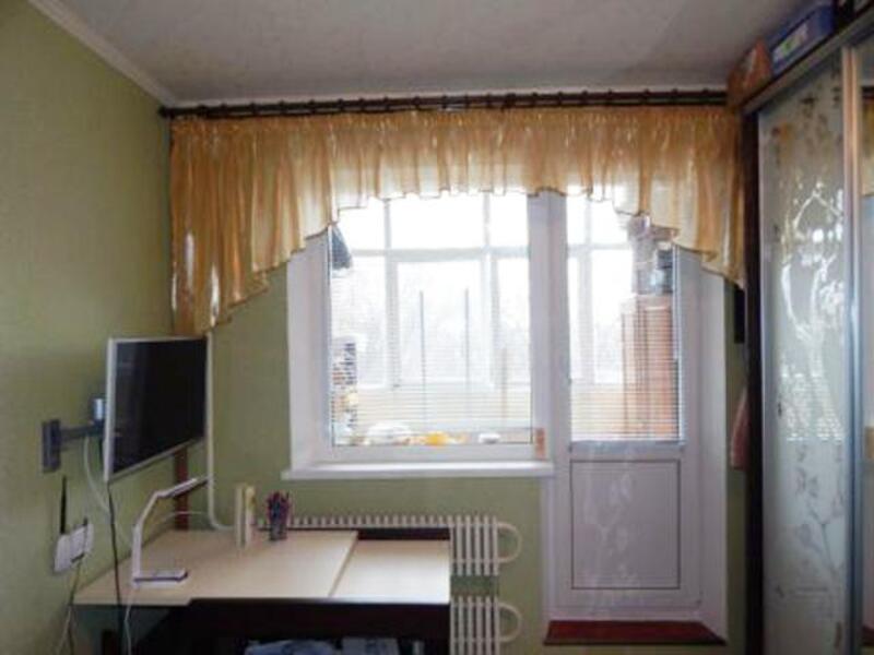 Квартира, 3-комн., Чугуев, Чугуевский район, Чайковского пер.