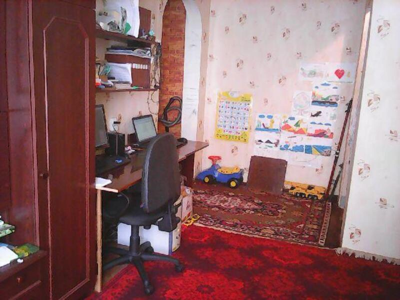 3 комнатная квартира, Эсхар, Молодежная (Ленина, Тельмана, Щорса), Харьковская область (412888 4)