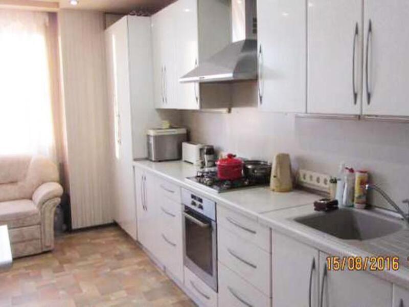 Квартира, 3-комн., Харьков, Павловка, Сухумская