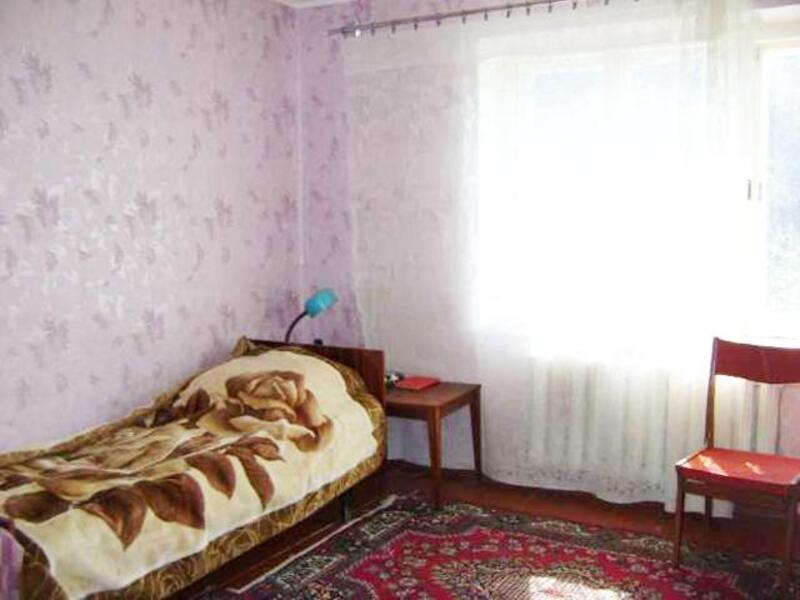Квартира, 2-комн., Петровка, Золочевский район, Центральная (Кирова, Ленина)