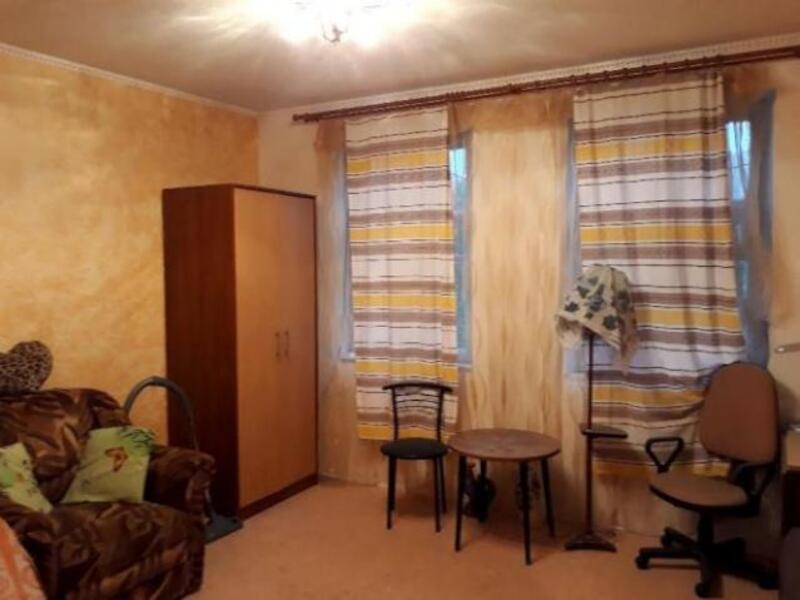 Квартира, 2-комн., Буды, Харьковский район, Фаянсовщик