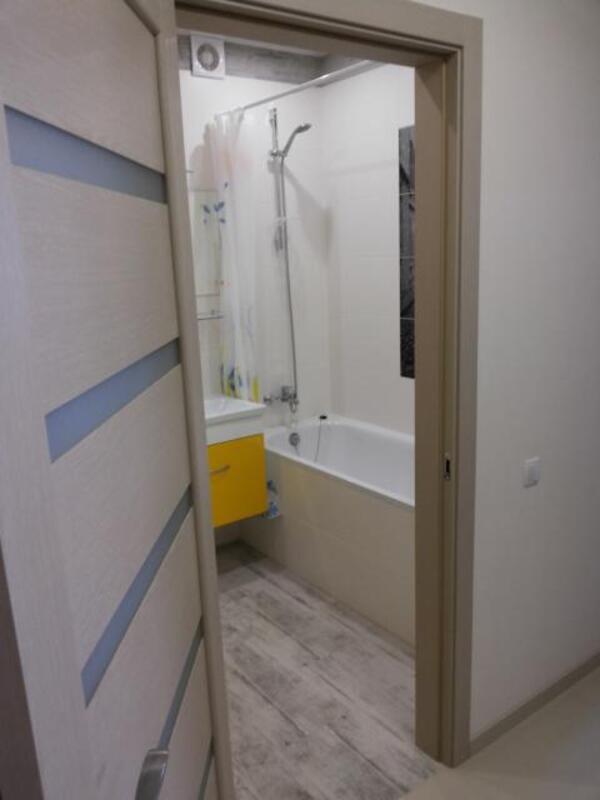 3 комнатная квартира, Харьков, Салтовка, Амосова (Корчагинцев) (446569 7)