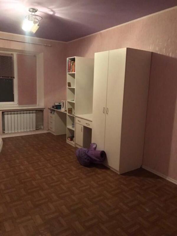 3 комнатная квартира, Чугуев, Победы ул. (Красноармейская), Харьковская область (456166 4)