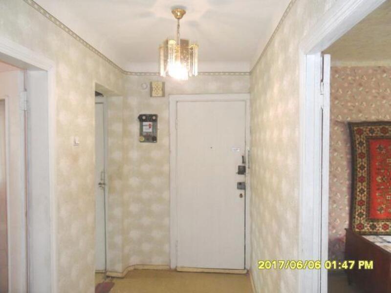 3 комнатная квартира, Чугуев, Победы ул. (Красноармейская), Харьковская область (456576 4)