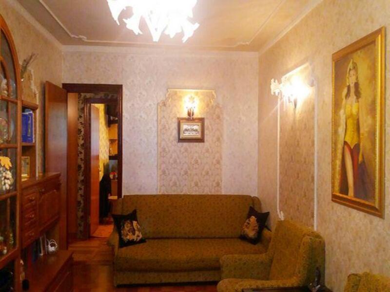 квартиру, 2 комн, Харьков, ХТЗ, 12 го Апреля (461451 1)