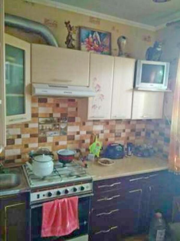 Квартира, 3-комн., Лебяжье, Чугуевский район, 1 Мая