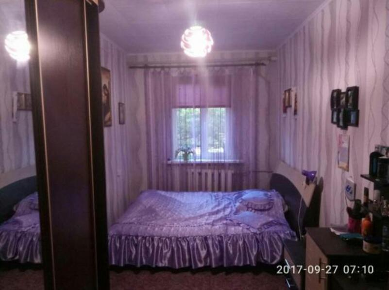 Квартира, 3-комн., Донец (Червоный Донец), Балаклейский район, Мира (Ленина, Советская)