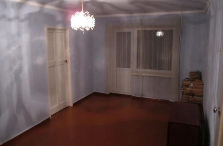 3 комнатная квартира, Эсхар, Победы ул. (Красноармейская), Харьковская область (499332 1)