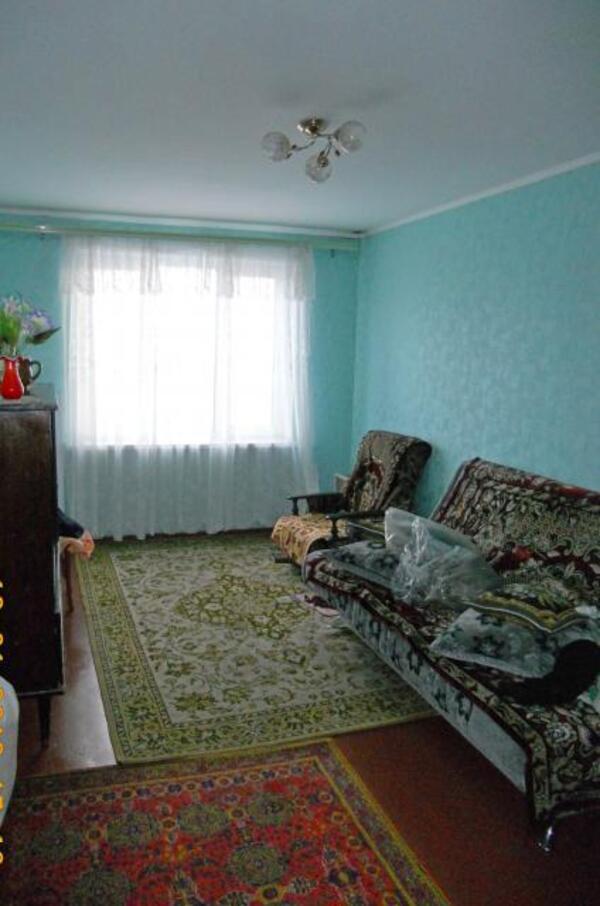 3 комнатная квартира, Эсхар, Победы ул. (Красноармейская), Харьковская область (503212 6)