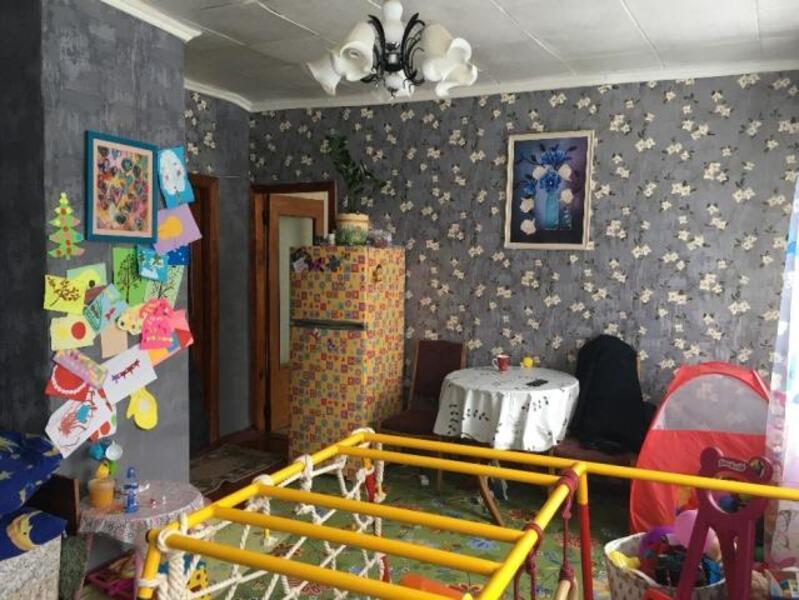 4 комнатная гостинка, Чугуев, Авиатор мкр, Харьковская область (507284 4)