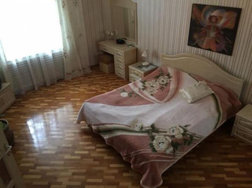 Квартира, 4-комн., Харьков, Нагорный, Каразина