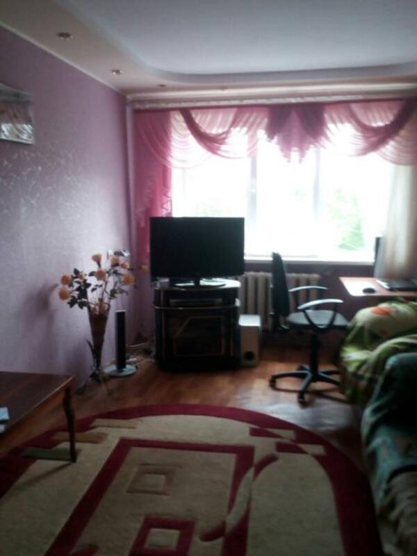 3 комнатная квартира, Докучаевское(Коммунист), Докучаева, Харьковская область (525045 1)