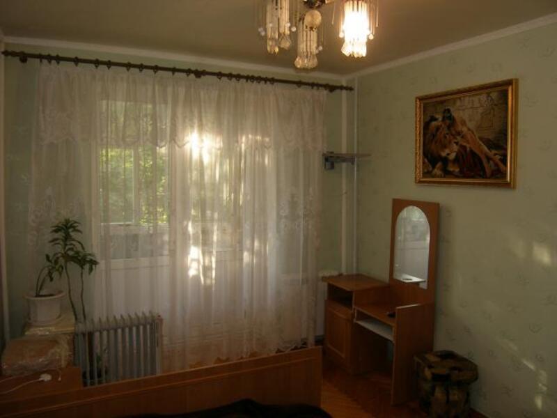 2 комнатная квартира, Чугуев, Комарова, Харьковская область (537700 1)