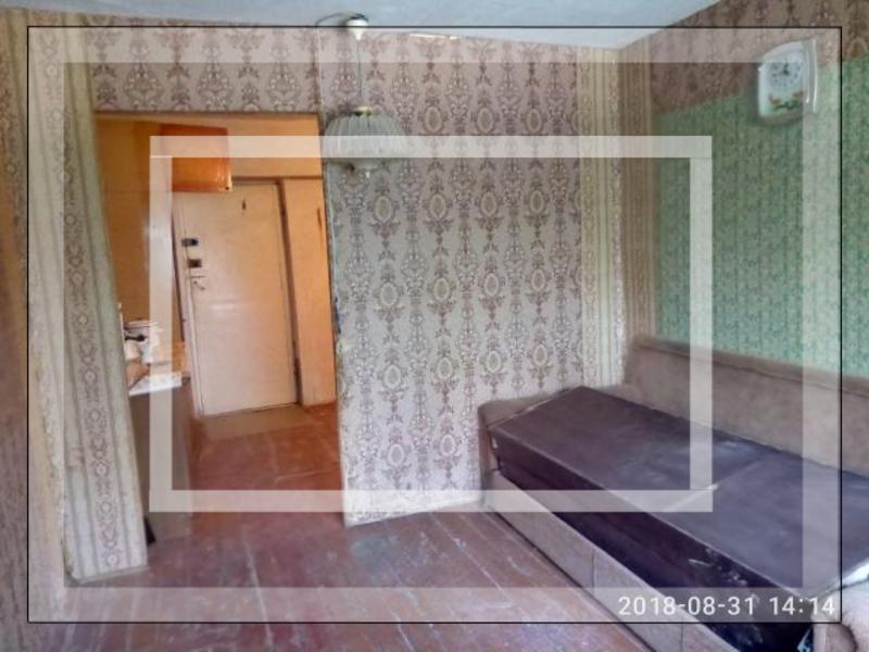 1 комнатная гостинка, Чугуев, Староникольская (К. Либкнехта), Харьковская область (539296 1)