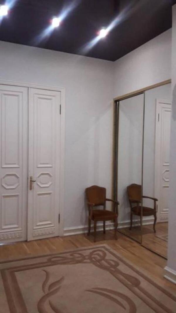 Квартира, 4-комн., Харьков, Центр, Сумская