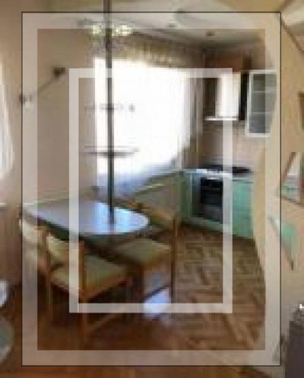 Квартира, 3-комн., Харьков, 625м/р, Амосова (Корчагинцев)
