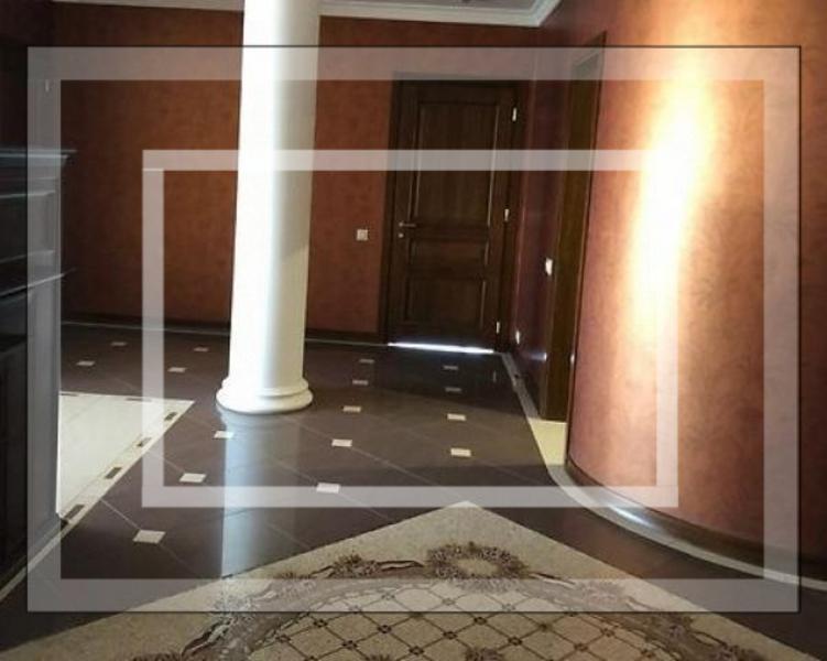 Квартира, 4-комн., Харьков, Госпром, Ромена Роллана