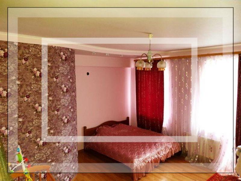 Квартира, 4-комн., Харьков, Одесская, Ньютона