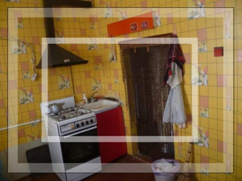 1 комнатная квартира, Эсхар, Соборная (Кирова, Зои Космодемьянской, Кирова, Крупской, Ленина, Советская), Харьковская область (570002 1)