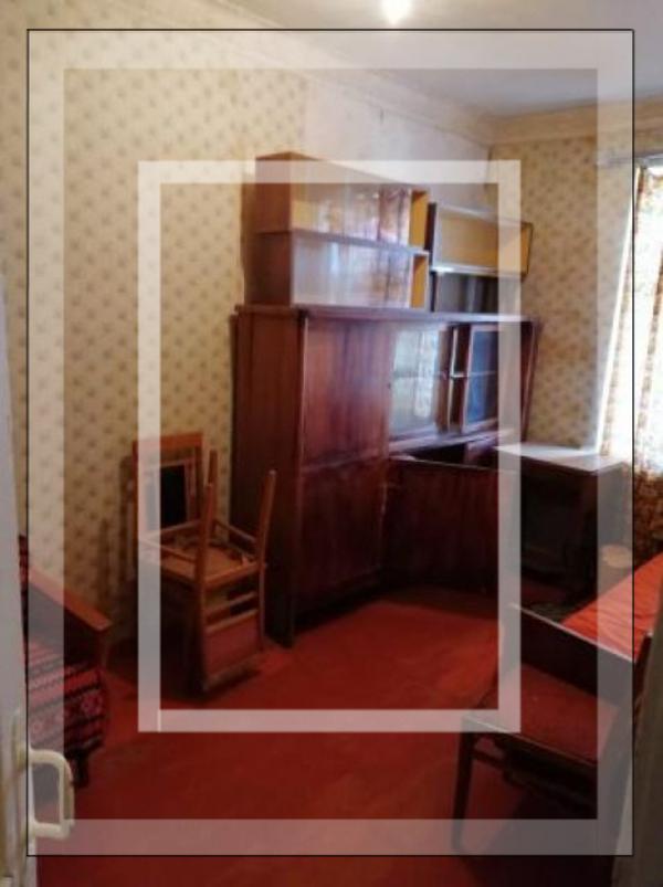 Квартира, 2-комн., Изюм, Изюмский район, Киевская
