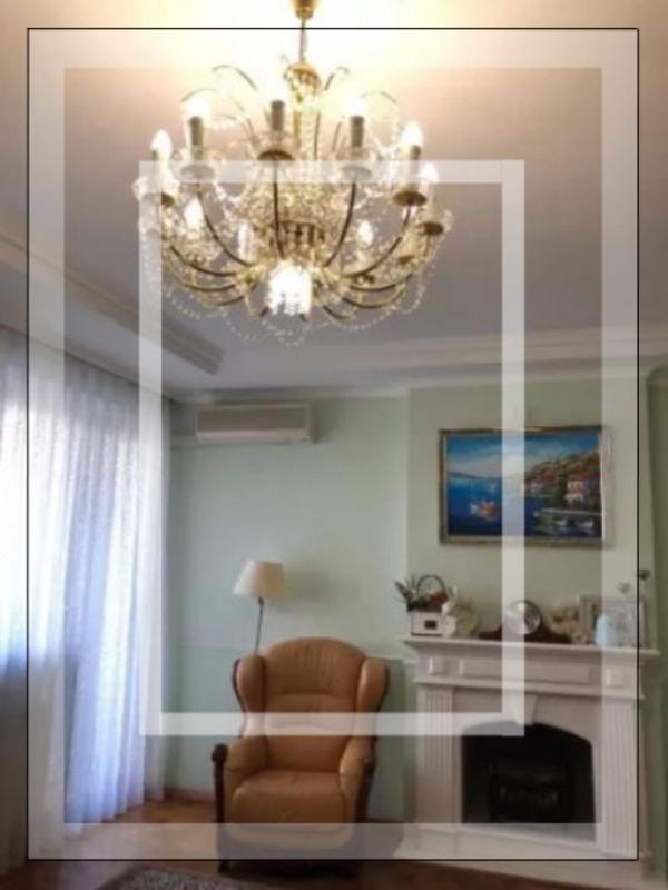 Квартира, 3-комн., Харьков, Госпром, Независимости пр. (Правды пр.)