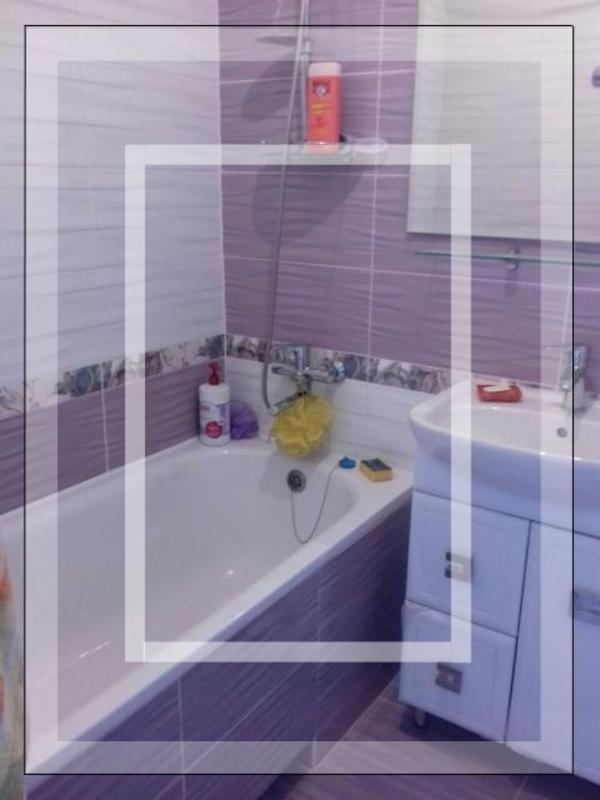 3 комнатная квартира, Дергачи, Центральная (Кирова, Ленина), Харьковская область (596997 1)