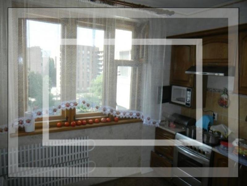 Купить 4-комнатная квартира, Харьков, Рогань жилмассив, Роганская