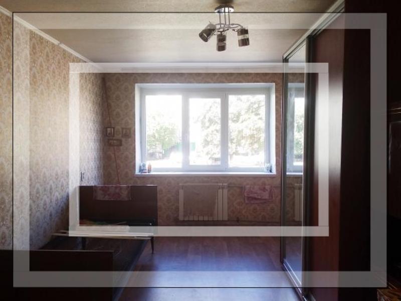 Купить 1-комнатная гостинка, Чугуев, Дружбы (Кирова, Советская. Ленина), Харьковская область