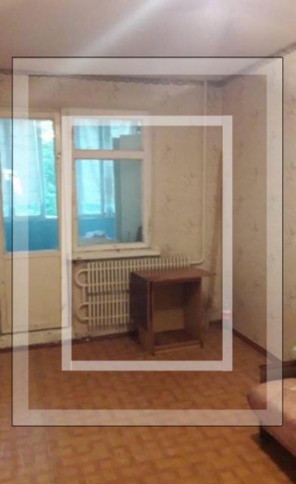 Купить 3-комнатная квартира, Чугуев, Харьковская (Ленина, Советская, Артема), Харьковская область
