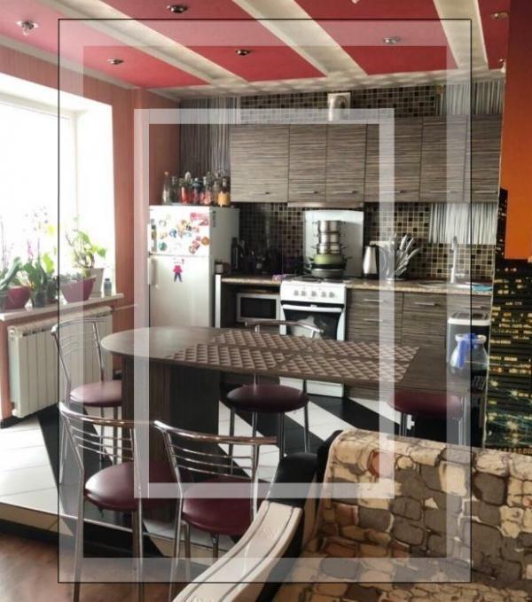 Купить 3-комнатная квартира, Харьков, Восточный, Роганская