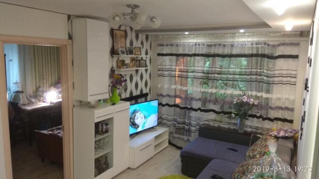 Купить 3-комнатная квартира, Люботин, Шевченко (Советская), Харьковская область