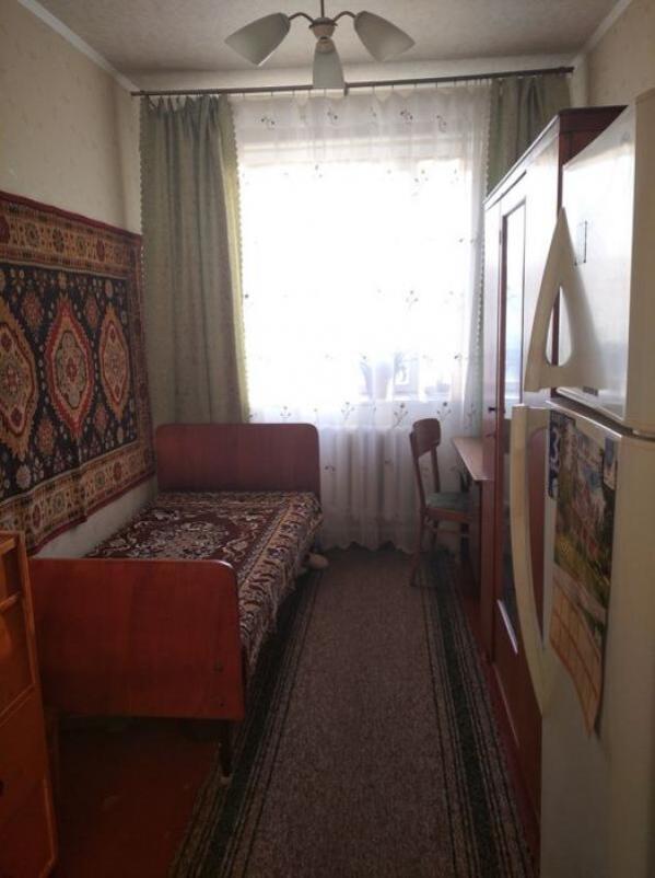 Квартира, 3-комн., Коломак, Коломакский район, Каштановая (Щорса, Красного милиционера)