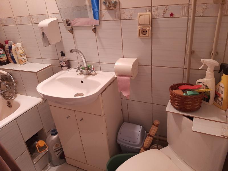 Купить 2-комнатная гостинка, Харьков, Аэропорт, Гагарина проспект