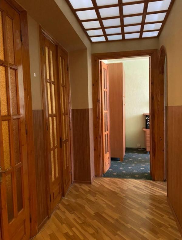 Купить 4-комнатная квартира, Харьков, Госпром, Юры Зойфера (Анри Барбюса)