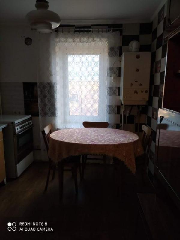 Купить 3-комнатная квартира, Валки, Харьковская (Ленина, Советская, Артема), Харьковская область