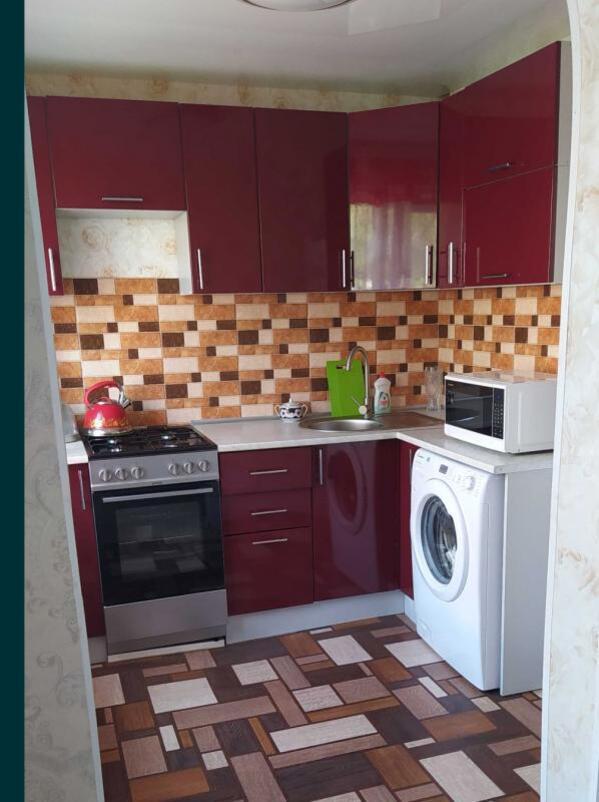 Квартира, 3-комн., Подворки, Дергачевский район, Куряжанская