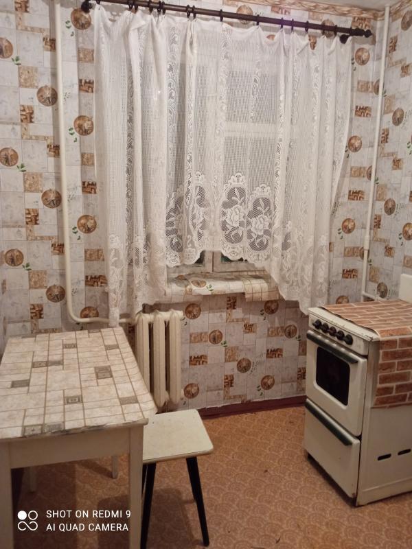 Квартира, 2-комн., Чкаловское, Чугуевский район, Мира (Ленина, Советская)