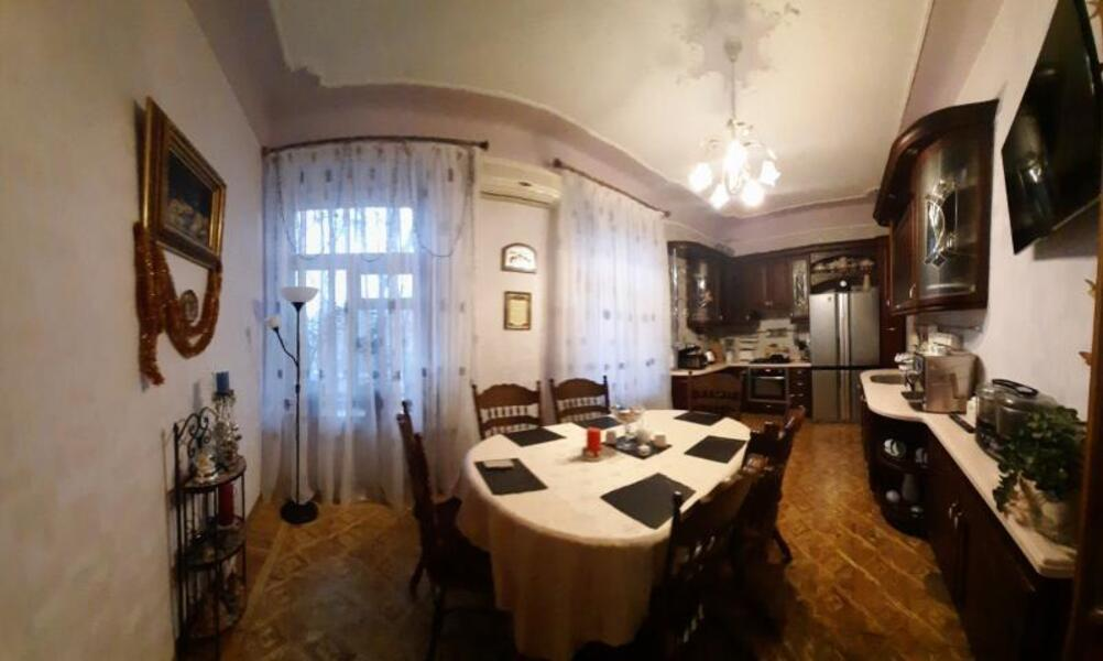 Квартира, 4-комн., Харьков, Госпром, Данилевского
